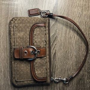 Coach wristlet used condition